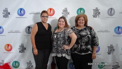 Con algunas de mis amigas blogueras presentes: Glory de Riquísimo PR y Jeannette de Sazón Boricua.