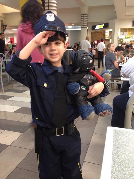 Miércoles Mudo: El Oficial Lil Man #miercolesmudo | YoSoyMami.com